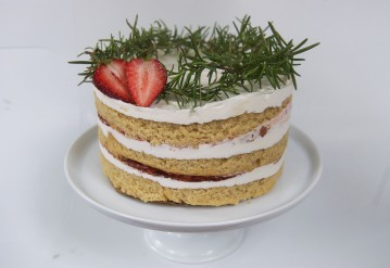 wholestrawberrycake.
