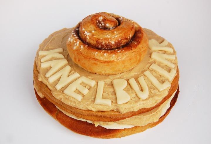 kanelbullar cake